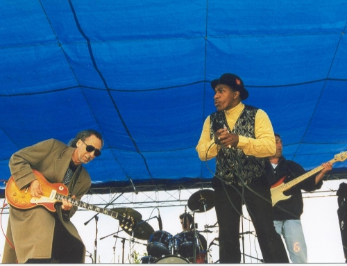 John García with John Lee Hooker, Jr.